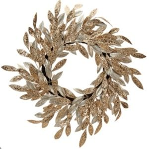 "22"" Sparkling Glittered Bay Leaf Wreath"